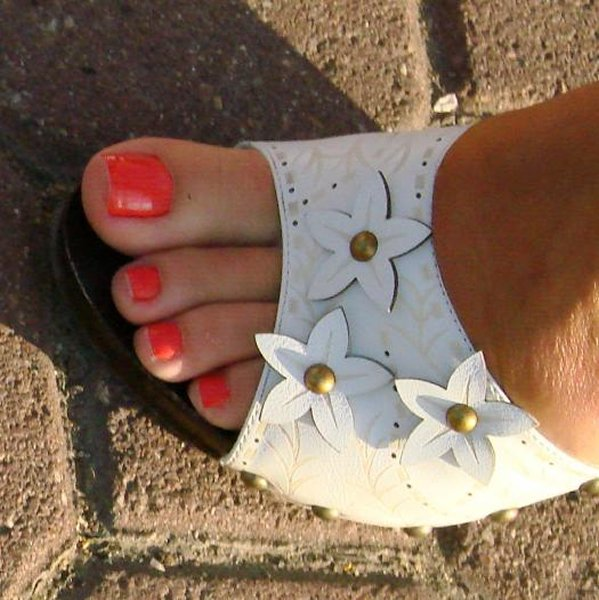 Голые женские ступни, Фото вблизи больш разрешения